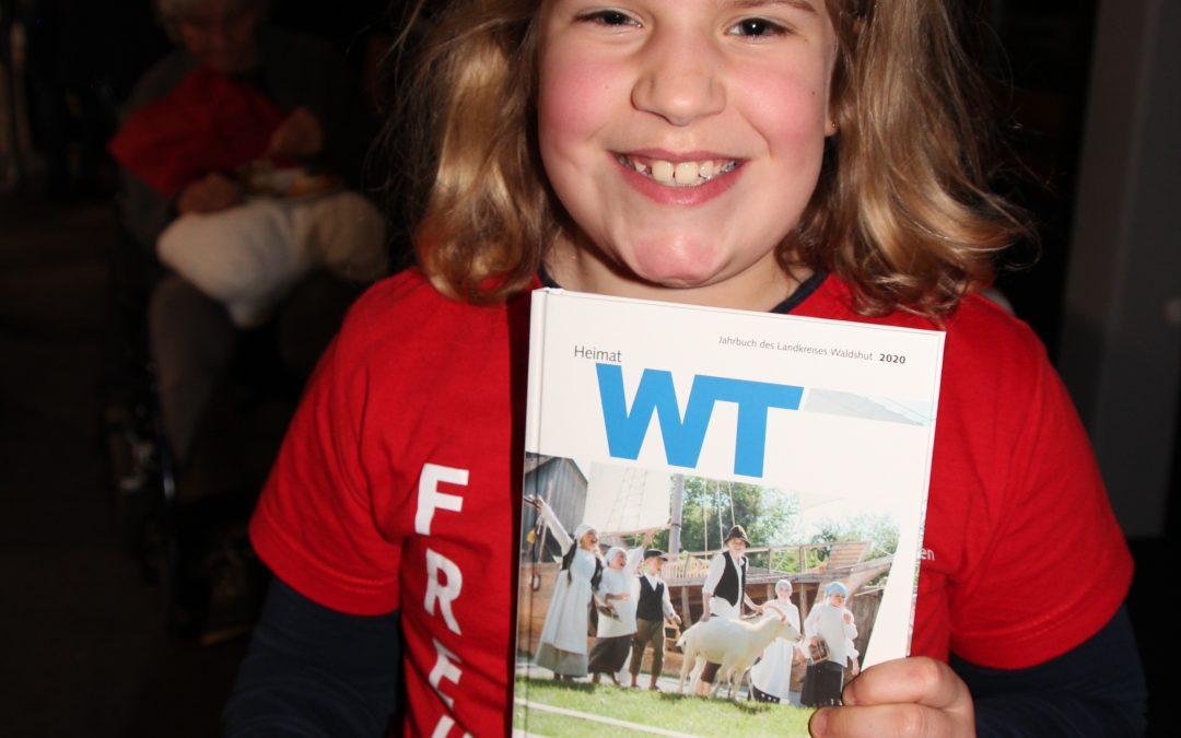 Freude: Wir haben es auf auf die Titelseite des Kreisjahrbuches geschafft!